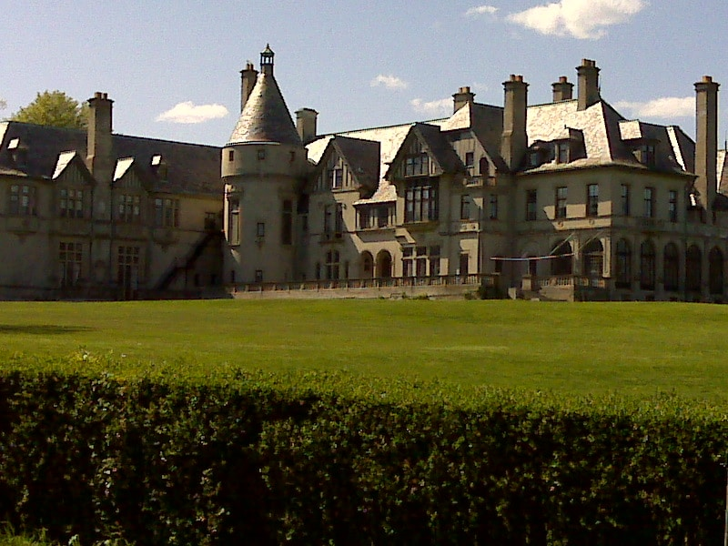 Salve Regina University administration building near the Rhode Island triathlon
