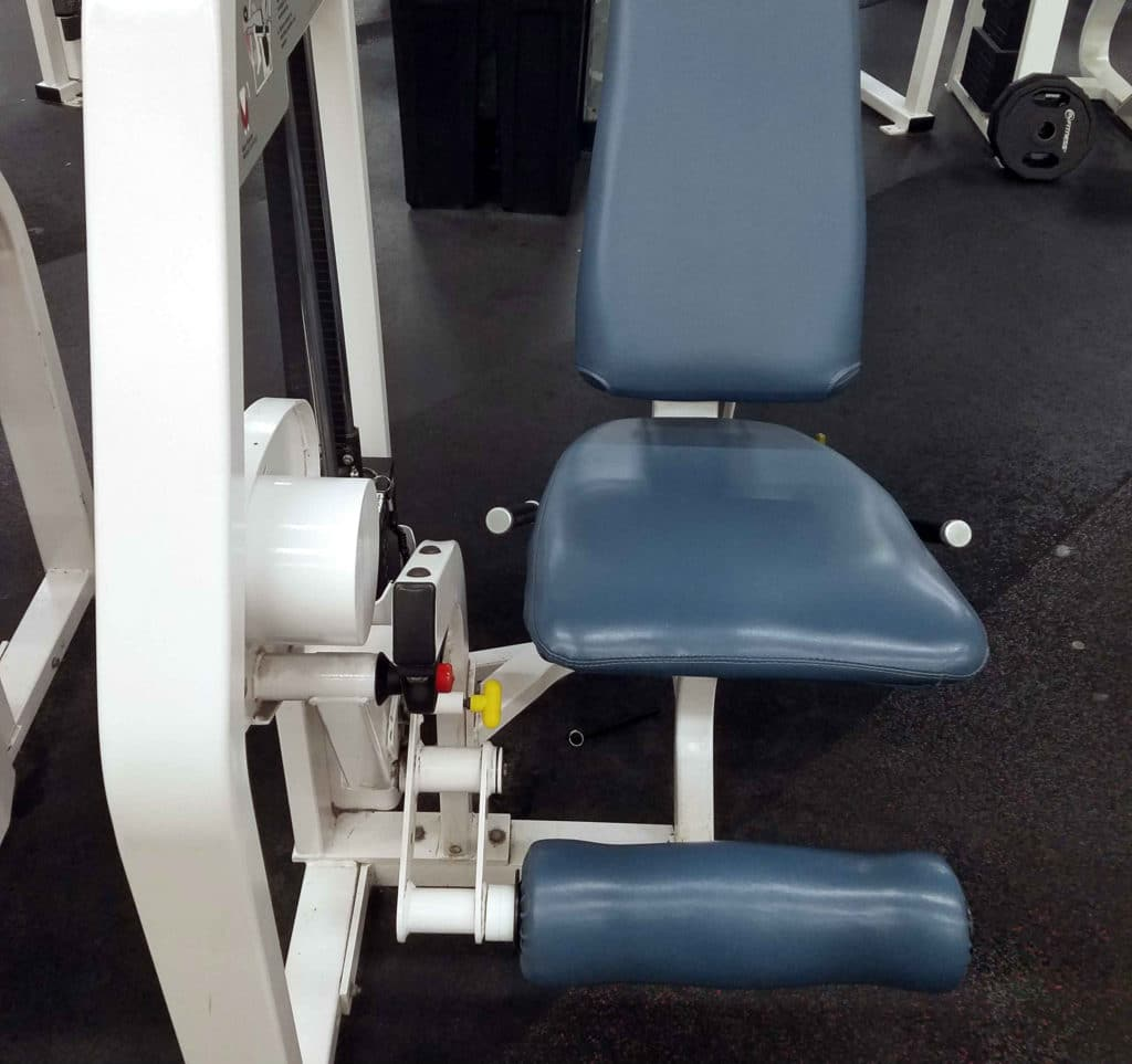 Leg exension exercise machine